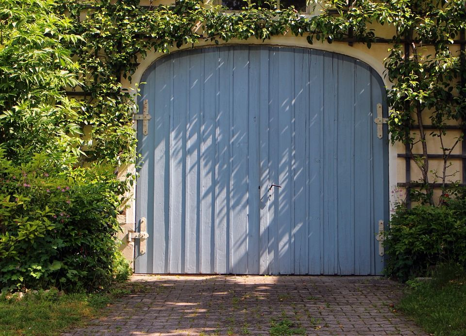 Garage Door Basics | Commercial Door Repair | Door Doctor, CA